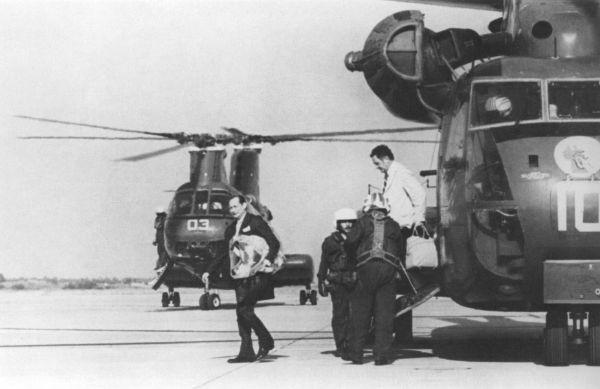 Gunther Dean après son départ de Phnom Penh, le 1er avril 1975.