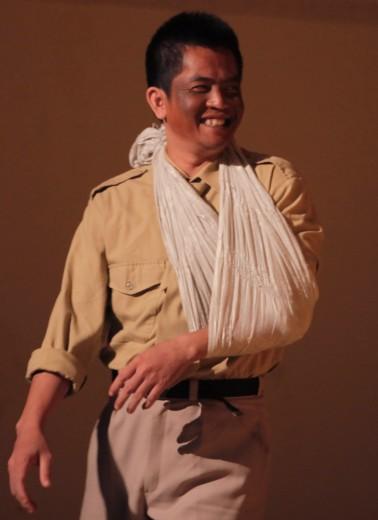 Le lieutenant (Sim Sophal) ⓒ Michèle Laurent, 2013.