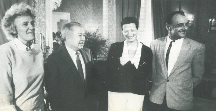Ariane Mnouchkine, S.A.R. Norodom Sihanouk, Hélène CIxous et Pierrre Laville ⓒ DR.