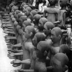 Statues créées par Erhard Stiefel pour 'Sihanouk'. ⓒ Martine Franck, 1985.