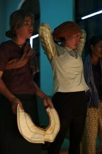 Nov Srey Leab et Chea Ravy, Battambang, 2013. ⓒ Arno Lafontaine.