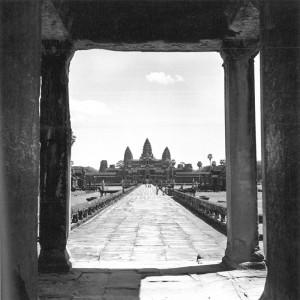 Vue d'Angkor de jour © Micheline Dullin.